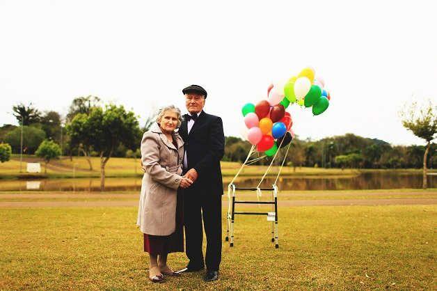 Idosos celebram união com ensaio inspirado em Up, Altas Aventuras 'elementos do filme Up – Altas Aventuras para celebrar seus 66 anos juntos. As imagens foram registradas na cidade de Francisco Beltrão, no Paraná, pela fotógrafa Larissa Lamp. Claudino Baroni e Rosina Basso Baroni se casaram em 6 de setembro de 1950, no Rio Grande do Sul. Lançado em 2009, o filme conta a história de um casal, Carl e Ellie, a partir do momento em que os dois se conhecem até a velhice.