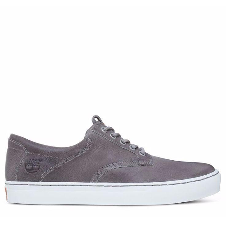 Réf : A1APU Offrez-vous la décontraction d'une paire de baskets tout en profitant du confort et du style authentique d'une chaussure en cuir de qualité. Conçues avec une tige basse en cuir gris certifié, ces Timberland Cupsole Oxford sont les baskets de ville idéales à associer avec un jean brut ou un jean noir pour vos sorties du week-end. La doublure respirante en tissu mesh a été fabriquée avec 50% de PET recyclé tandis que la semelle extérieure contient 34% de caoutchouc recyclé.