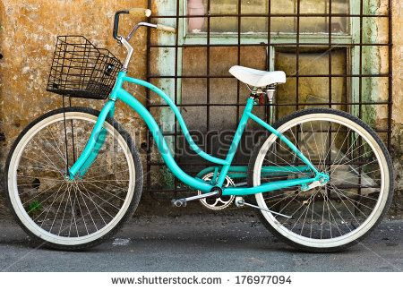 stock-photo-vintage-bicycle-with-basket-near-the-old-house-176977094.jpg (450×324)