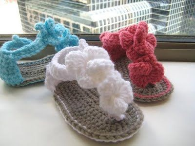 crocheted baby sandals... adorable!