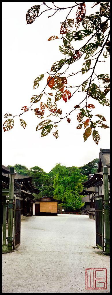 Shimogamo Shrine (Gateway)  PEACEFUL GARDENS INKYOTO #japan
