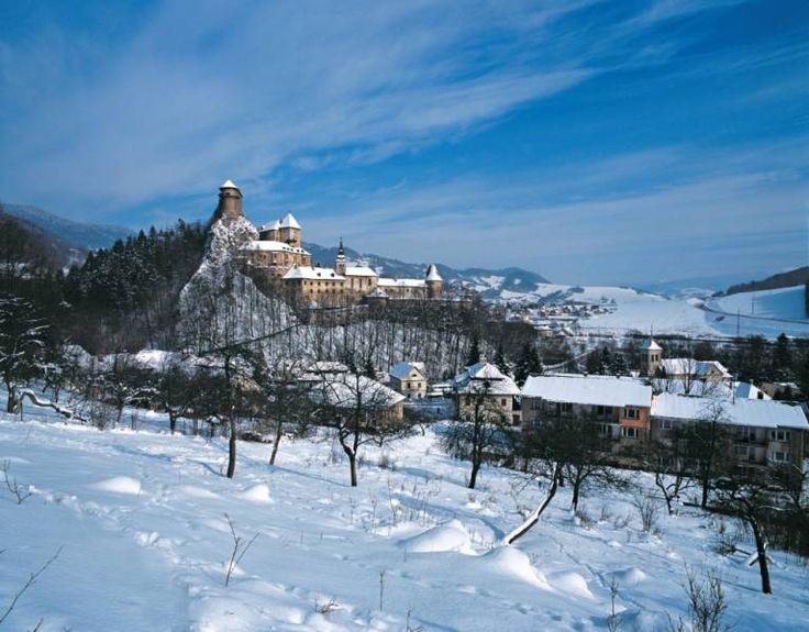 Orawa położona na pograniczu polsko-słowackim może Was totalnie zaczarować, szczególnie, kiedy cała pokryta jest śniegiem!