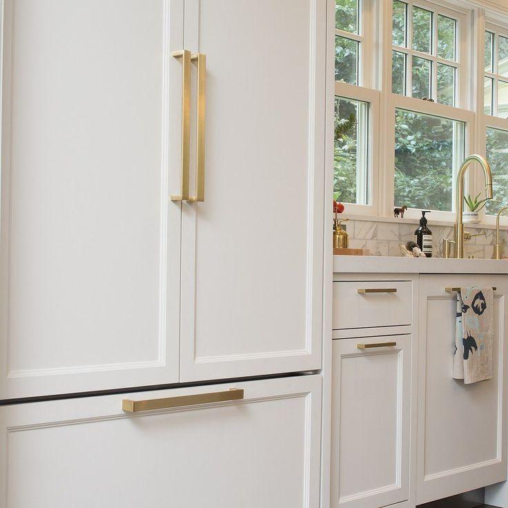 Edgecliff Appliance Pull - Natural Brass