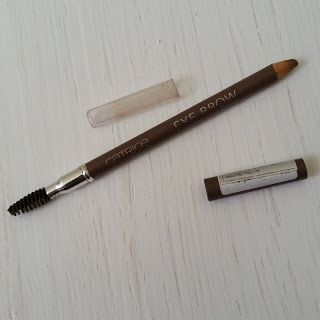 Review on Catrice Eyebrow Pencil in the shade Date with Ashton