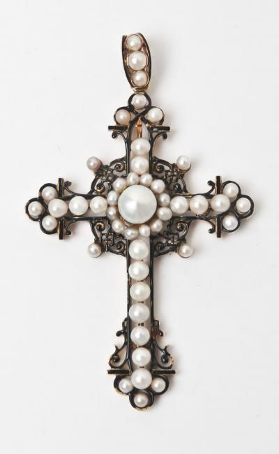 Antique cross in silver and pearls