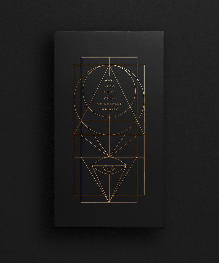 Como gran admirador de la música de Gustavo Cerati, decidí crear un tributo basándome en el concepto del infinito y la eternidad. A partir de distintas tipográfas, se desarrollaron distintas tapas de discos recreado una colección especial e única. Utilicé…