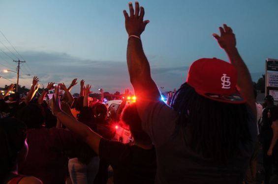 Lawyers Ask Ferguson Mayor to Grant Amnesty for Nonviolent Warrants, Fines