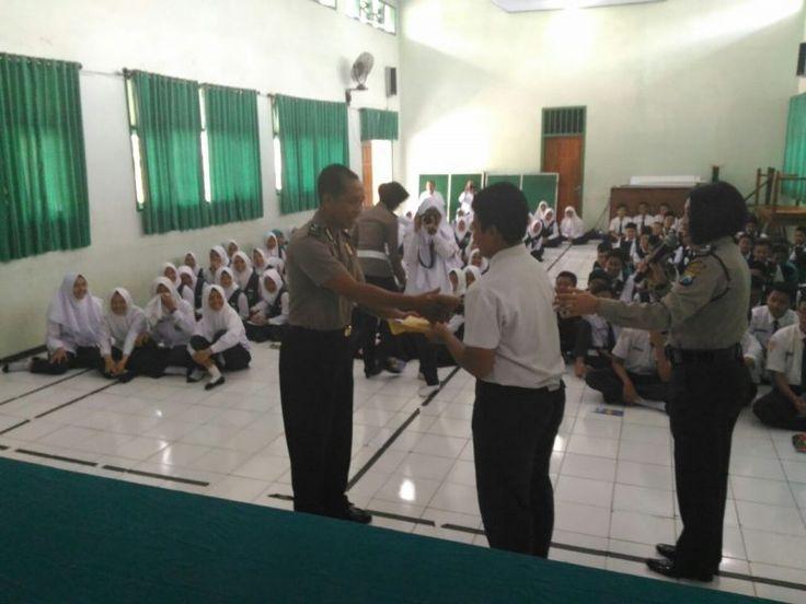 Satbinmas Polres Trenggalek Gandeng Polisi Cantik di HUT Polwan ke  69
