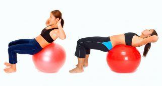 Ejercicio de abdominales superiores con fitball