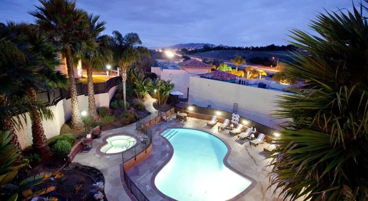Holiday Inn Express Grover Beach-Pismo Beach Area Grover Beach Featuring guest rooms with balconies and a beautiful outdoor pool facility, this Holiday Inn Express is located just off Highway 101 and less than 1.5 miles from downtown Grover Beach.