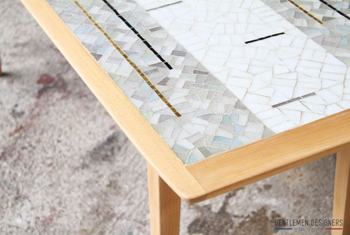 TABLE BASSE, BOIS CLAIR, MOSAÏQUE, VINTAGE http://www.gentlemen-designers.fr
