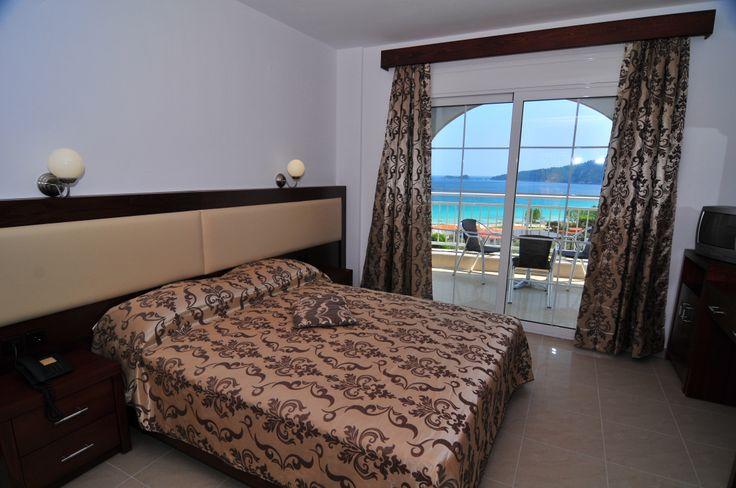 Emerald Hotel - suite www.travelbiz.ro