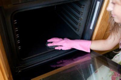 Η πιο απλή συνταγή για να λάμπει ο φούρνος σας από καθαριότητα!