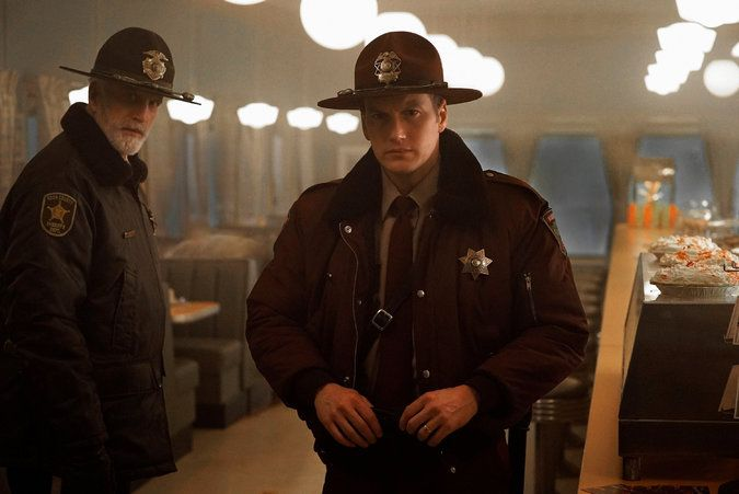 Review: 'Fargo' Returns With a Triple Murder at a Waffle Hut - The New York Times