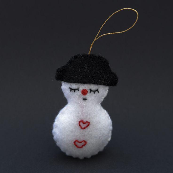 Sleepy snowman  - snowman, christmas decor, christmas gift, christmas decoration, cute, adorable. by HalloweenOrChristmas on Etsy