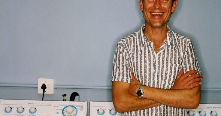 Códigos de error de la lavadora/secadora Zanussi. La lavadora/secadora Zanussi, fabricada por Electrolux, es favorita porque puede lavar y secar la ropa en la misma máquina, ahorrando espacio, tiempo y trabajo. Los aparatos Electrolux son conocidos por su calidad y estilo, y cuentan con una sencilla interfaz que te avisa cuando sucede un mal funcionamiento en la máquina. Cuando la memoria detecta ...