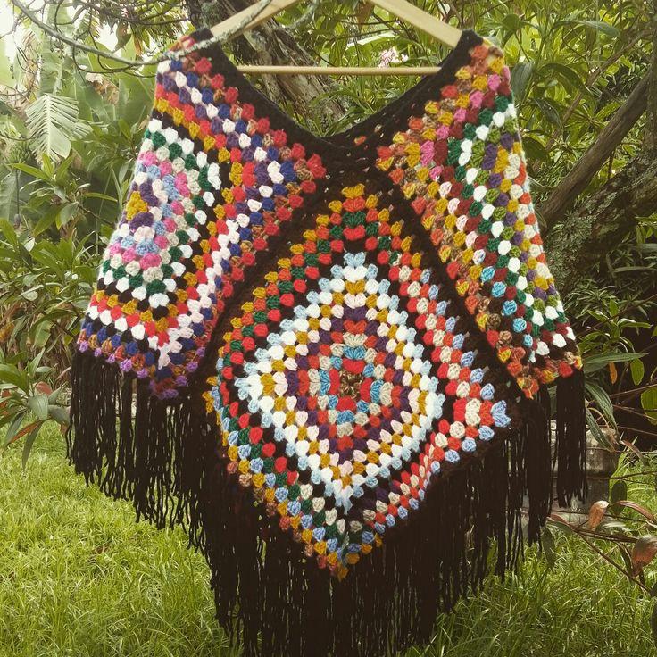 Poncho de croché  Amei essa arte, adoro crochet Me preparando para o inverno.