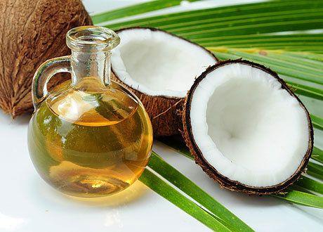 Кокосовое масло для волос / shutterstock.com