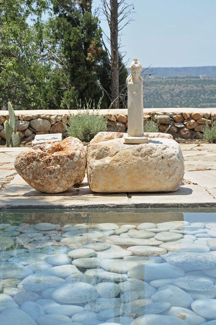 http://www.living-postcards.com/category/greek-back-mountain/hotel-citta-dei-nicliani-mani#.Vr-CYJN96hc
