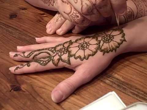 Simple Henna Design Demonstration