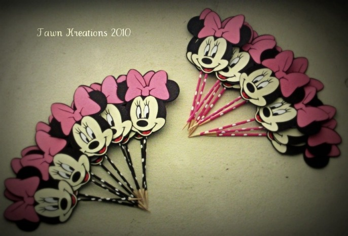 minnie mouse birthday ideas cricut | Minnie Mouse Cupcake Toppers