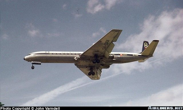 De Havilland DH-106 Comet 4B aircraft picture