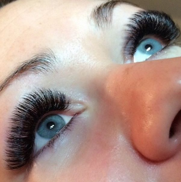 Borboleta interviewed with POPSUGAR on the Do's and Don'ts of eyelash extensions!