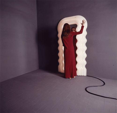 17 best images about design ettore sottsass 1917 2007 for Miroir ultrafragola