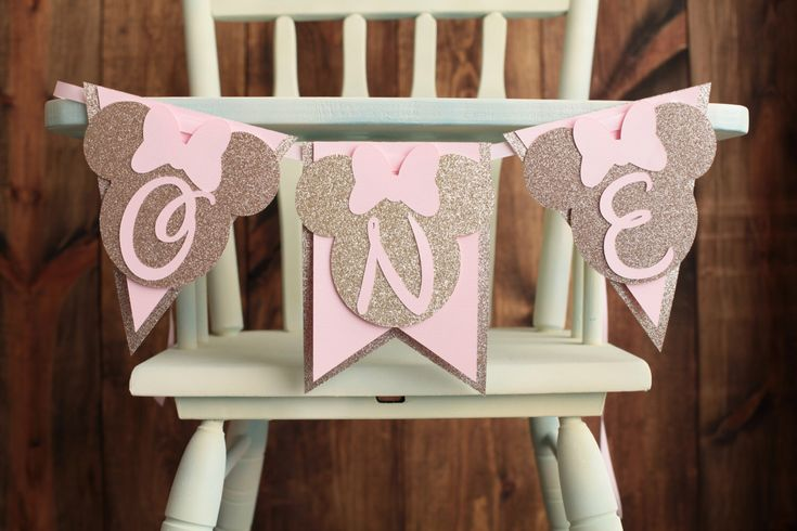 Minnie Mouse pink and gold High Chair Banner,  I am 1,  Happy Birthday Highchair Banner Champagne gold, ONE Banner by AllTheRagePartyFaves on Etsy https://www.etsy.com/listing/464934366/minnie-mouse-pink-and-gold-high-chair