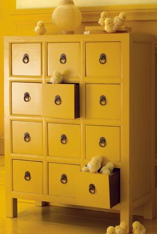 les 25 meilleures id es de la cat gorie commode jaune sur pinterest meubles peints en jaune. Black Bedroom Furniture Sets. Home Design Ideas