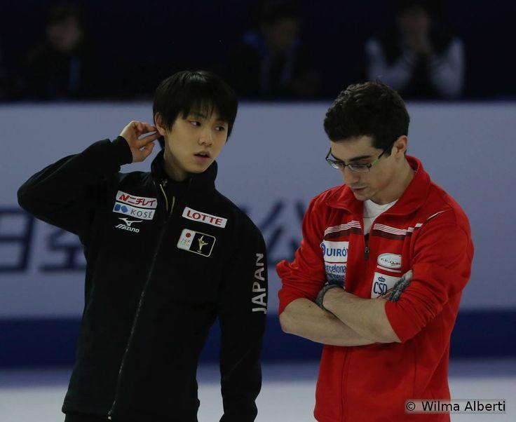 Os colegas de equipe: Yuzuru Hanyu e Javier Fernandez