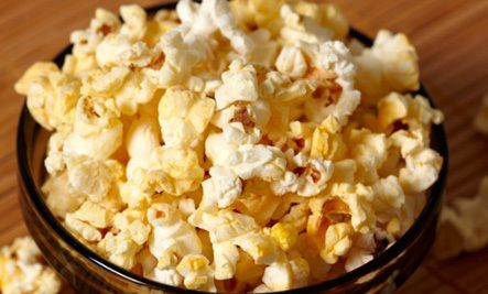 8 of the Worst Foods for Your Body: microwave popcorn, non-organic apples and celery, chips, soda, canned tomatoes, etc!!!!!