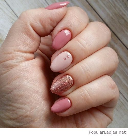 Amazing short and pink gel nails style