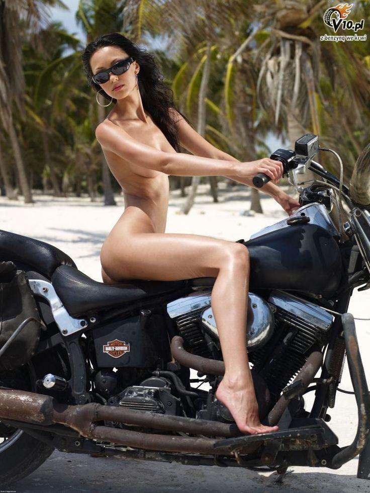 sexy nude ultra girls