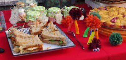 Lots of jummy sandwiches and more... We had to be fast, or the mome raths would have eaten them all! :-)