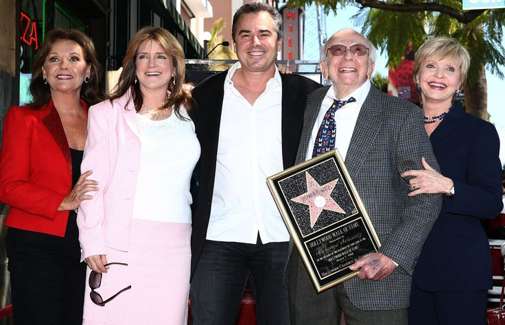 HOLLYWOOD - MARCH 07: (L-R) Actress Dawn Wells, actress Susan Olsen, actor Christopher Knight, producer Sherwood Schwartz and Florence Henderson attend a ceremony honoring producer Sherwood Schwartz with a star at the Hollywood Walk of Fame on March 7, 2008 in Hollywood, California. (Photo by Alberto E. Rodriguez/Getty Images)