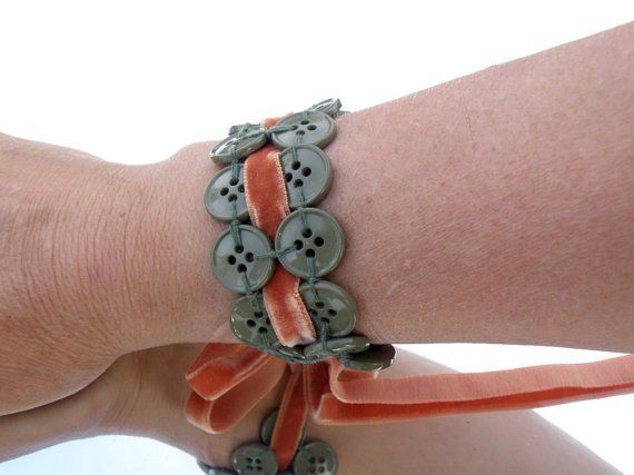 Button Bracelet - adorable!!