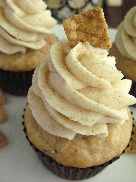 Cinnamon Toast Crunch Cupcake - my son will love these since his favorite food is Cinnamon Toast Crunch!