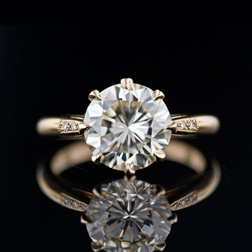 Ill even take it in the gold! how freaking lovely and perfect is this! Estate Diamond Engagement Ring