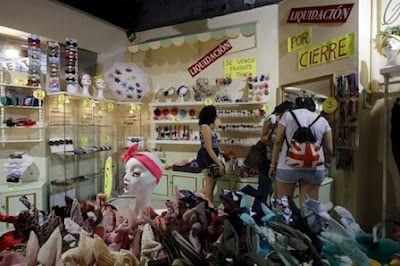 Hasta otra, mercado de Fuencarral Tras 17 años de andadura, este referente comercial cerrará definitivamente el próximo 25 de julio Lorena Gamarra | El Mundo, 2015-07-18 http://www.elmundo.es/madrid/2015/07/18/55aac824ca47418d158b458c.html