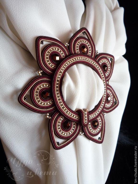 Зажим брошь пряжка для платка палантина 'Gold & Marsala'