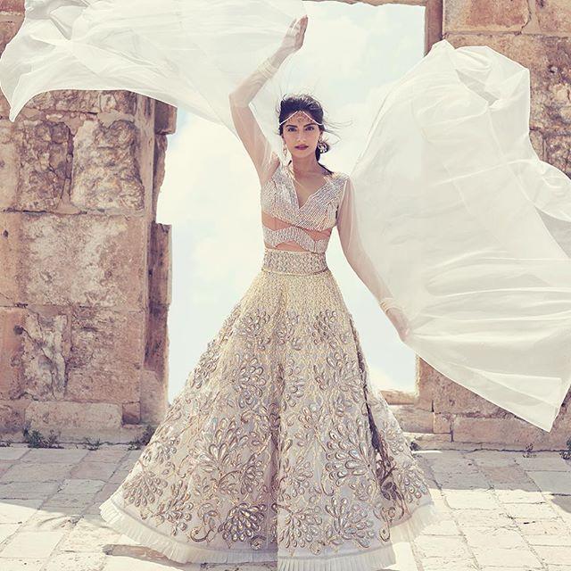 @sonamkapoor on @bazaarbridein Outfit - @abujanisandeepkhosla Jewelry - #KalyanJewellers Styled by - @divyakdsouza #bollywood #style #fashion #beauty #bollywoodstyle #bollywoodfashion #indianfashion #celebstyle #sonamkapoor #abujanisandeepkhosla