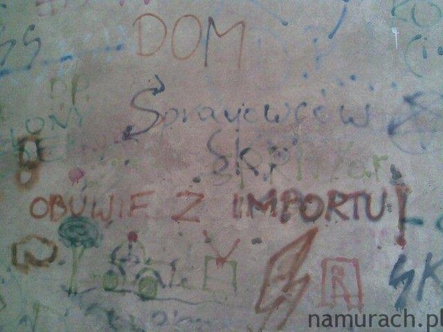 Obuwie z importu - graffiti Wrocław #obuwie #graffiti #Wrocław