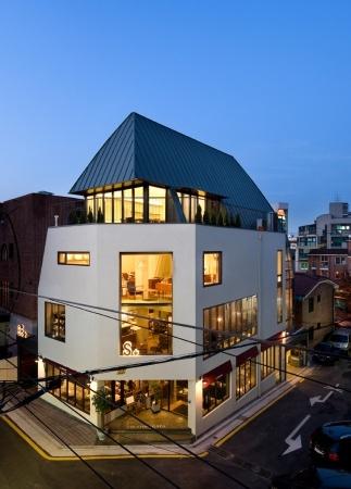 S+ bldg in Serosoogil in Seoul by Doojin Hwang Architects