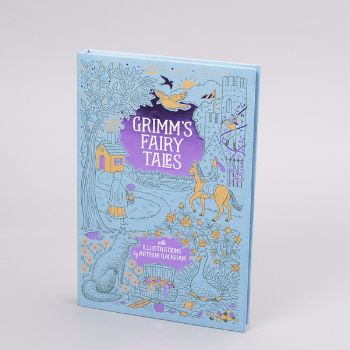 Grimms Fairy Tales Book: A beautiful collection of more than forty of some of the best loved and well known fairy tales by the Brothers Grimm. Each story is interspersed with traditional drawings and paintings from the golden age of illustration by Arthur Rackham.