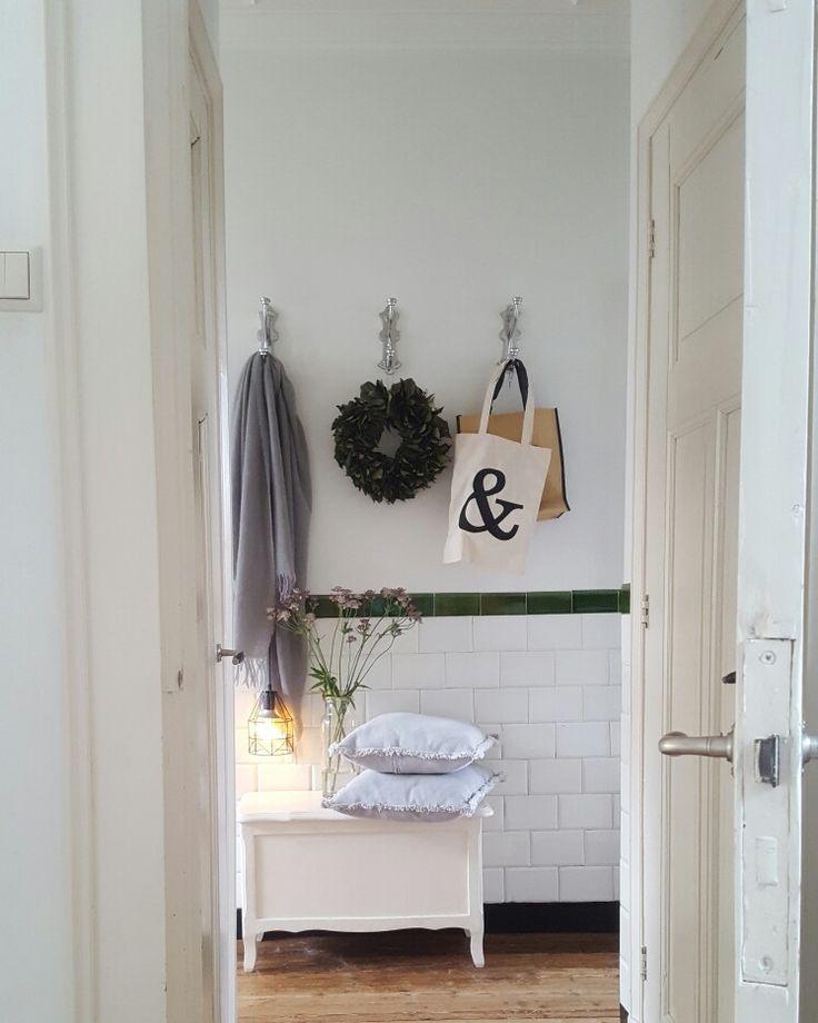 Meer dan 1000 idee n over jaren 39 20 huis op pinterest rondleidingen in huis jaren 39 20 keuken - Huis entree van hal ...