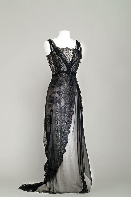 """""""Titanic"""" de Jean Negulesco, 1953.  Costume porté par Barbara Stanwyck, créé par Dorothy Jeakings et Charles Lemaire"""