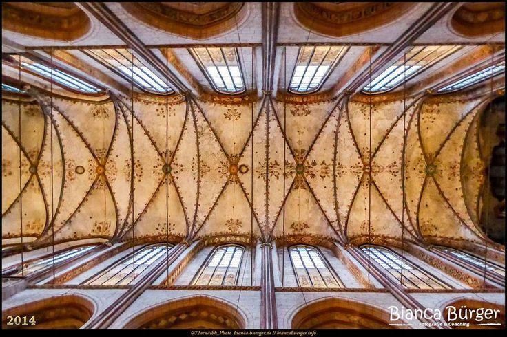 St. Marienkirche in Lübeck (Dez 2014) #Lübeck #Kirche #church #SchleswigHolstein #biancabuergerphotography #Deutschland #Germany #shootcamp #shootcamp_ig #travel #Reise #Kirchendecke #Gewölbe #historisch #Basilika #christlich #christian #historic #basilica