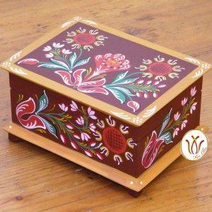 Transylvanian, hand painted wooden box. Kezzel festett doboz barcasagi csango mintaval.