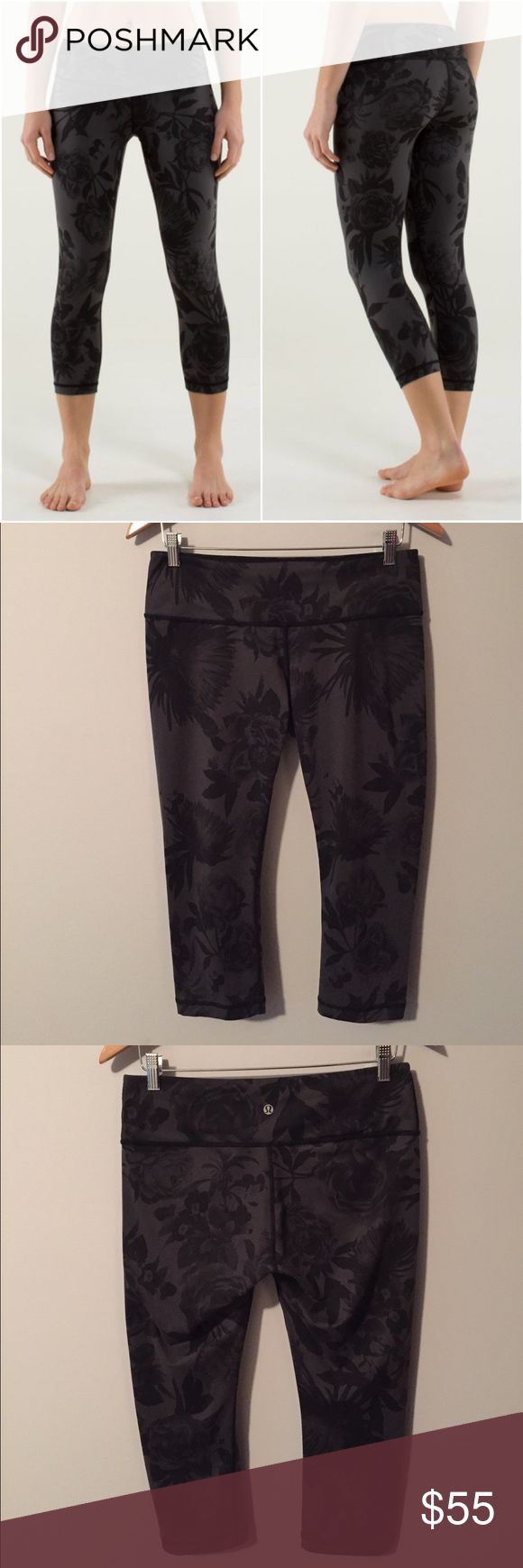 Lululemon wunder under crops Lululemon Wunder Under Crops in Brisk Bloom Black Soot/Black, size 10, gently worn and in excellent condition with no flaws(meaning no piling/seam damage/rips/holes/stains/odours/etc). Bundle to save 10% off ❤ lululemon athletica Pants Capris